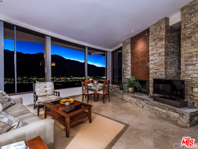 Additional photo for property listing at 2399 Southridge Drive  Palm Springs, California 92264 United States