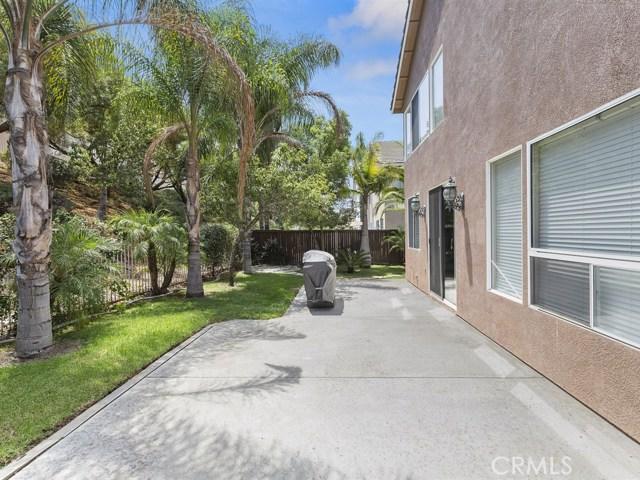 977 N Temescal Circle, Corona CA: http://media.crmls.org/medias/5660c967-7898-4608-b738-64ea35d3dc38.jpg