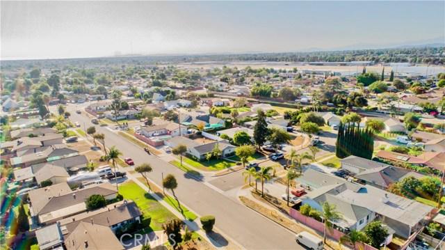 221 S Vine Avenue, Fullerton CA: http://media.crmls.org/medias/56696392-f98c-4db4-8e57-2d935001f01d.jpg