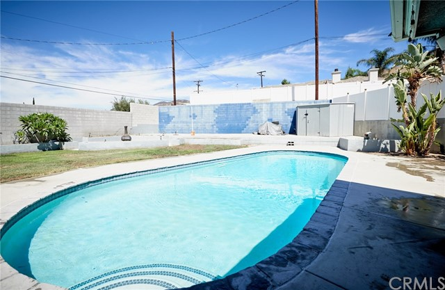 1406 E Ralston Avenue, San Bernardino CA: http://media.crmls.org/medias/5671879e-ba53-42f3-9147-28d4df55ed8e.jpg