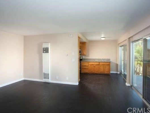 215 Atlantic Avenue, Long Beach CA: http://media.crmls.org/medias/56779033-0eed-4220-b8ec-d72d07fb1ada.jpg