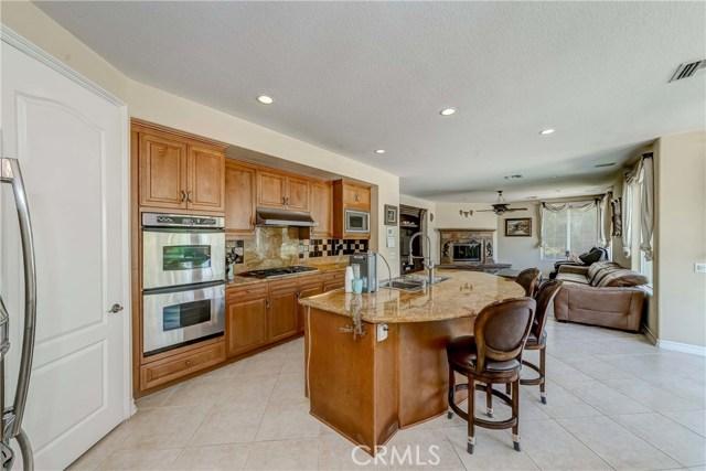 685 Noble Rd., Simi Valley CA: http://media.crmls.org/medias/5678bd14-980c-4972-b3a6-a65a8c9f6a1d.jpg