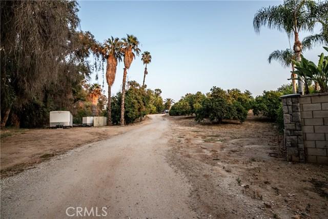 7660 Whitegate Avenue, Riverside CA: http://media.crmls.org/medias/567daf1e-8033-4904-be28-750829cd59d2.jpg