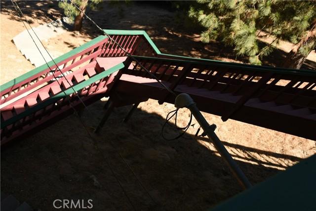 25105 Jewel Drive, Crestline CA: http://media.crmls.org/medias/56853a2a-ac1f-40ed-9d01-a3f0c3dcdddb.jpg