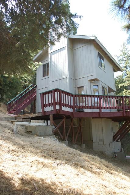 25105 Jewel Drive, Crestline CA: http://media.crmls.org/medias/5694e423-35a3-4a99-8de0-6cac1d79b0b8.jpg