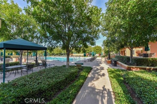 42 Pathway, Irvine CA: http://media.crmls.org/medias/5697a1f3-f913-499d-9d25-fc548ff5693b.jpg
