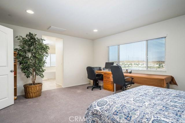34936 Roberts Place, Beaumont CA: http://media.crmls.org/medias/569d41e0-5011-4a2a-a7e3-302a0b855781.jpg