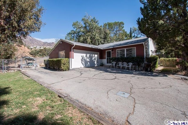 11052 Plainview Avenue Tujunga, CA 91042 is listed for sale as MLS Listing 316009428