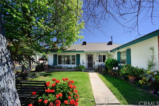 Single Family Home for Sale at 2501 Spruce Street S Santa Ana, California 92704 United States