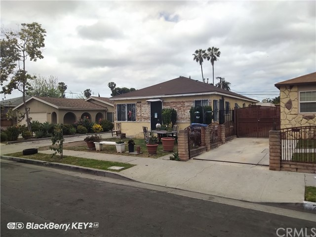 2305 S Burnside Avenue, Los Angeles CA: http://media.crmls.org/medias/56aa77e6-d3de-4348-8a3c-e12be174e11b.jpg