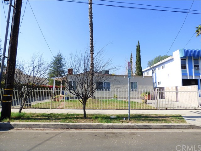 Single Family Home for Sale at 5327 Riverton Avenue 5327 Riverton Avenue North Hollywood, California 91601 United States
