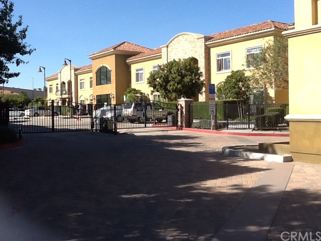 13798 Roswell Avenue, Chino CA: http://media.crmls.org/medias/56b21fe5-db01-4a89-8af3-9a166737f77b.jpg