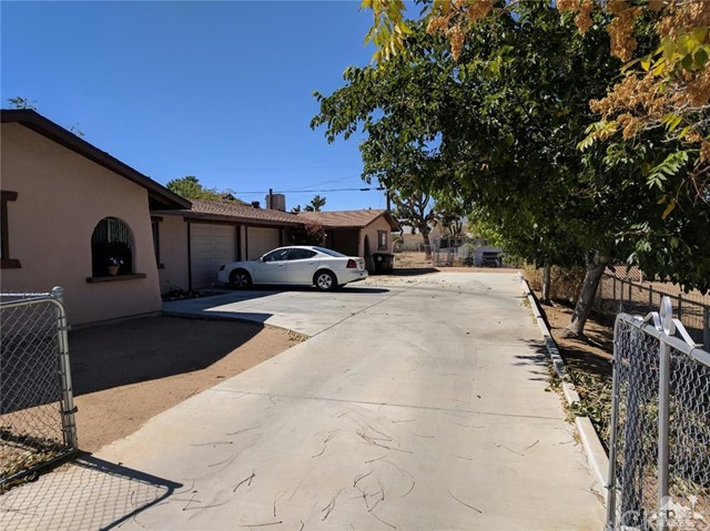 7466 Acoma Yucca Valley, CA 92284 is listed for sale as MLS Listing 217027372DA