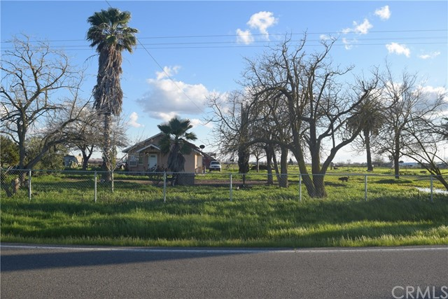 Single Family Home for Sale at 10595 Childs Avenue Le Grand, California 95333 United States