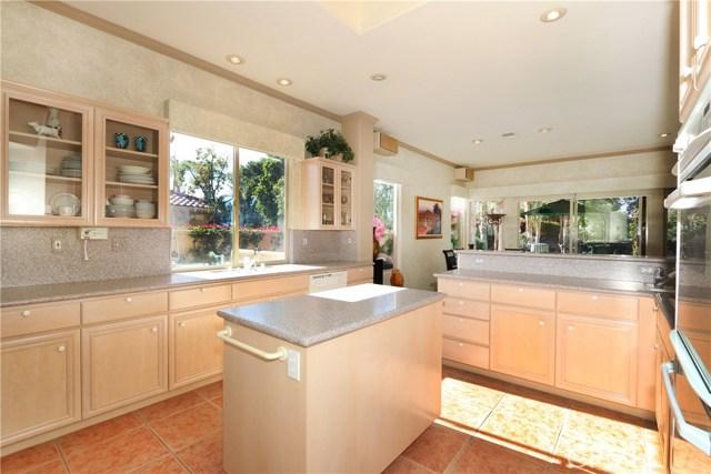 120 Kavenish Drive, Rancho Mirage CA: http://media.crmls.org/medias/56e208c6-355b-46f8-8e8a-d55e49af0cc2.jpg