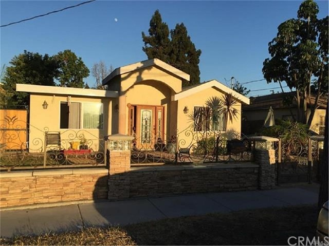 Single Family Home for Sale at 6702 Toler Avenue Bell Gardens, California 90201 United States