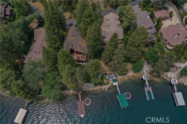 27433 N Bay Road, Lake Arrowhead CA: http://media.crmls.org/medias/56fcf2c0-dd64-42dd-95a9-1003f60760c1.jpg