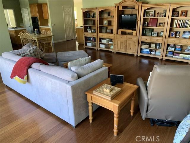 6225 Sunnyhills Place, Rancho Cucamonga CA: http://media.crmls.org/medias/5712d156-2cf1-4d41-9d55-b8fecf3a6b95.jpg