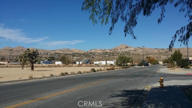 57794 Twentynine Palms, Yucca Valley CA: http://media.crmls.org/medias/57146af3-05f3-4e5f-a995-5d52a21cb830.jpg
