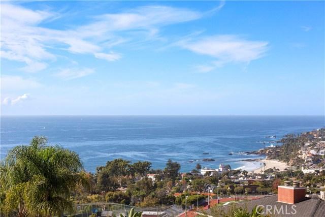880 Coast View Drive, Laguna Beach CA: http://media.crmls.org/medias/5720fcae-9cef-4ad1-b86e-ca4cb34d5d7d.jpg
