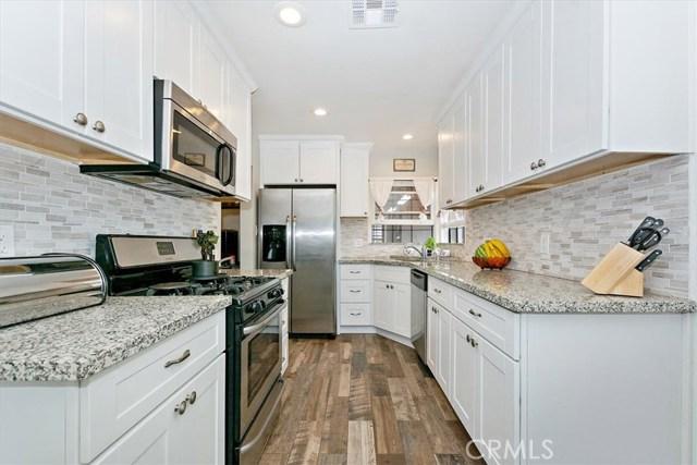 6603 Broadway Avenue, Whittier CA: http://media.crmls.org/medias/57231922-1e20-4f4e-a56b-2ad884c9b15a.jpg