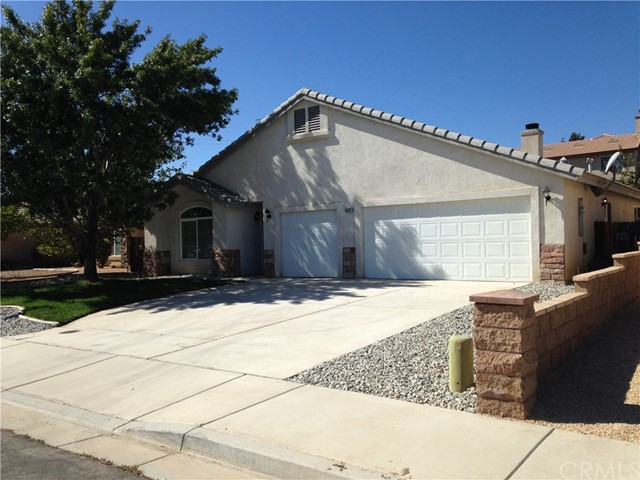 8932 Newcastle Avenue, Hesperia, California, 92344