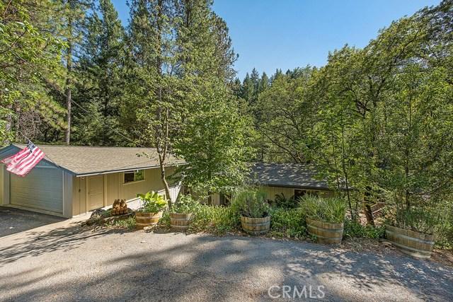 Casa Unifamiliar por un Venta en 10495 Twin Oaks Drive Cobb, California 95426 Estados Unidos