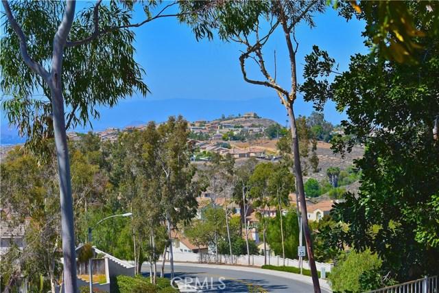 17852 Spring Hill Way, Riverside CA: http://media.crmls.org/medias/573c9caa-54c6-4913-a48b-41e366e9b297.jpg