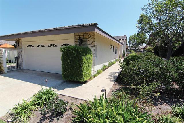 Single Family Home for Sale at 16 Atoll St Corona Del Mar, California 92625 United States