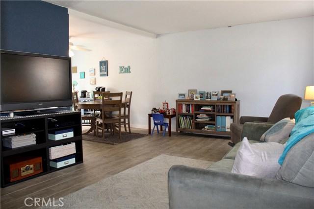 9828 Continental Drive, Huntington Beach CA: http://media.crmls.org/medias/57533837-bdca-4e65-862d-8a4f3e1a0488.jpg