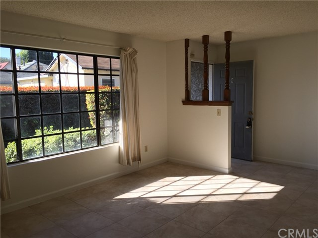 5830 Cloverly Avenue, Temple City CA: http://media.crmls.org/medias/5755db51-61a3-4349-9b2b-a8fb71f0ab24.jpg