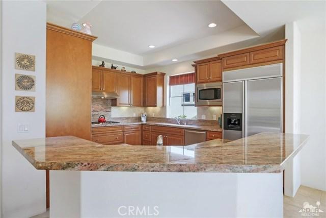 10 Via Haciendas, Rancho Mirage CA: http://media.crmls.org/medias/57572962-0044-4d6b-8452-0b5c62817c83.jpg