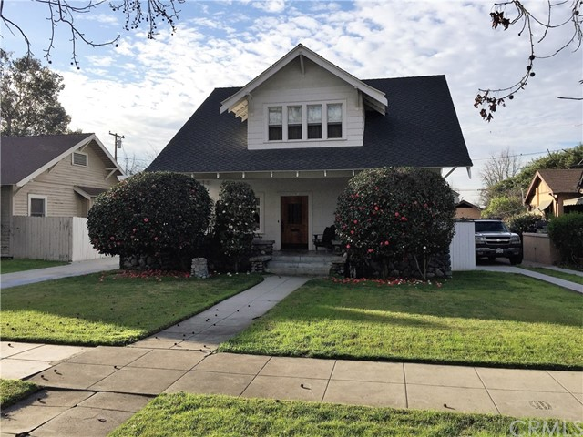 326 Lincoln Avenue , CA 91767 is listed for sale as MLS Listing CV17029946