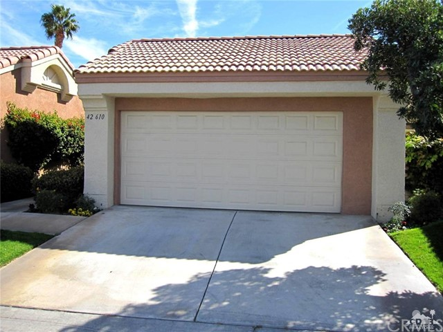 42610 Liolios Drive, Palm Desert CA: http://media.crmls.org/medias/57670fff-1f3b-4c2c-8bd2-b1015ccc7510.jpg