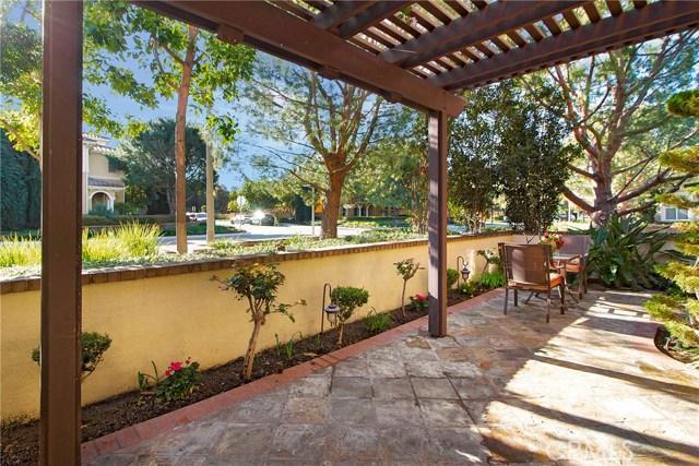 95 Chantilly, Irvine CA: http://media.crmls.org/medias/576c9645-5574-4016-8648-071d7b11d489.jpg