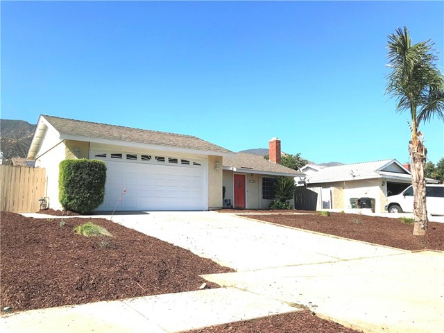 1040 Northpark Boulevard, San Bernardino CA: http://media.crmls.org/medias/578cc6e4-b25d-4e1b-be2f-36921864c3bf.jpg