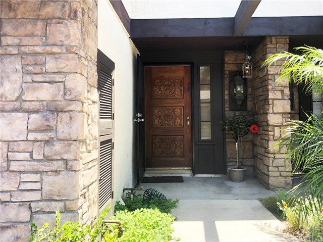 Detail Gallery Image 1 of 22 For 14440 Pickwick Ln, Garden Grove, CA 92844 - 2 Beds | 2/1 Baths