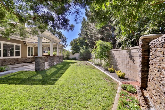 14912 Franklin Lane, Eastvale CA: http://media.crmls.org/medias/57b2ff29-822a-4b09-beda-d4b8ce553a2d.jpg