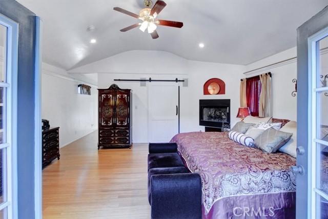 607 Royce Street, Altadena CA: http://media.crmls.org/medias/57c55a0c-a22b-4228-b422-6dfa632fde7a.jpg