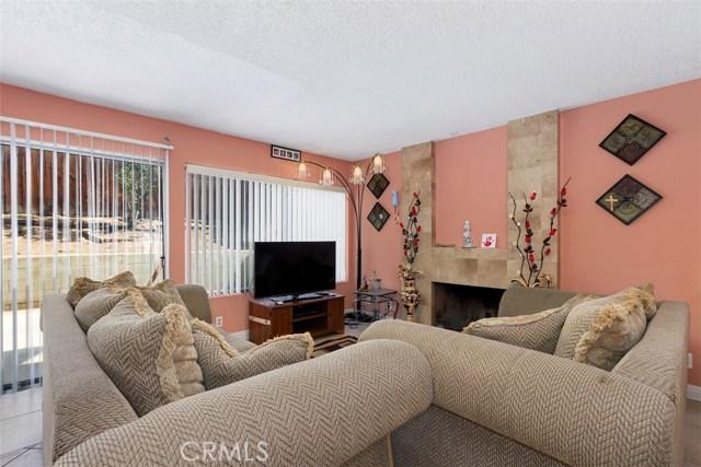 23476 Woodlander Way, Moreno Valley CA: http://media.crmls.org/medias/57c99380-b426-4f1f-99f7-1f0493de9784.jpg