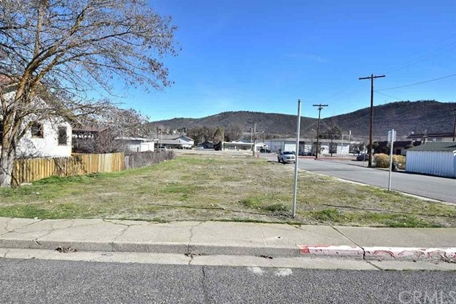 Single Family for Sale at 0 Corner Lot on 3rd & North Street Yreka, California 96097 United States