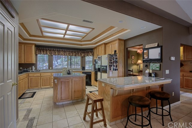 53890 Dogwood Creek Drive, Bass Lake CA: http://media.crmls.org/medias/57e41ac4-547b-4c48-a7b0-fb64e5b1cab4.jpg