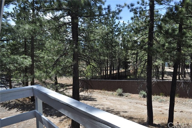 39925 Deer Lane, Big Bear CA: http://media.crmls.org/medias/57e8beab-3fab-47a9-9be5-308298e81350.jpg