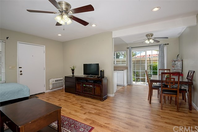239 Streamwood, Irvine, CA 92620 Photo 4