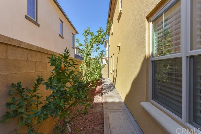 70 Field Poppy Irvine, CA 92620 - MLS #: TR18029038