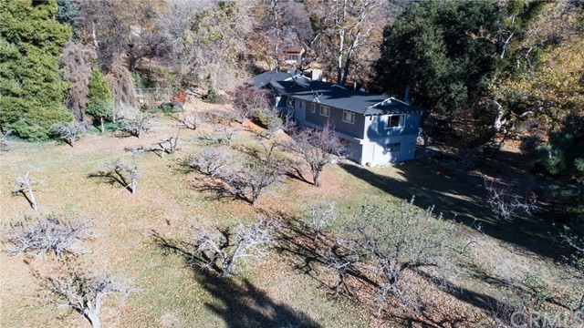 11833 Oak Glen Road, Oak Glen CA: http://media.crmls.org/medias/57f8815a-9750-498e-a6ac-8b4eb848799e.jpg