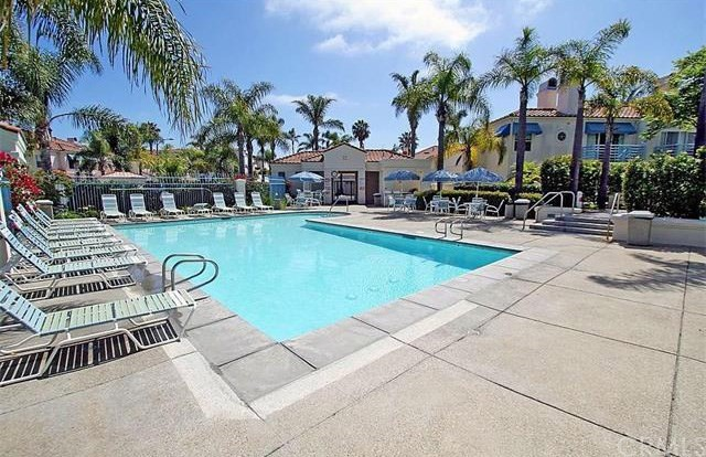 415  Townsquare Lane, Huntington Beach, California