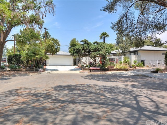 870 N Towne Avenue, Claremont, CA 91711