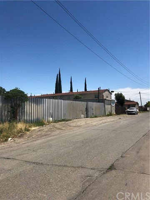 1660 S Union Street, Stockton CA: http://media.crmls.org/medias/5813b483-36e6-404e-b219-f4e8fce36542.jpg