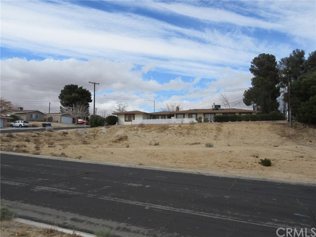 0 La Paz, Victorville CA: http://media.crmls.org/medias/581cfcc5-6ea0-47f6-abd7-84698415c35c.jpg